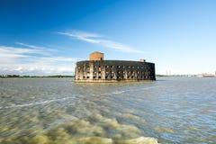 Форт Александр сперва в Kronstadt в заливе Finskiy St Pete Стоковые Фотографии RF