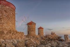 Форт Родоса St Nicholas и ветрянок стоковое изображение