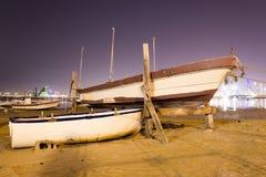 Форт рыбной ловли Бахрейна на ноче Стоковые Изображения RF