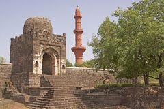 форт daulatabad внутри мечети стоковое фото rf