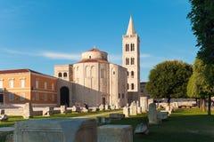 Форум на заходе солнца, Хорватия Zadar стоковое изображение rf
