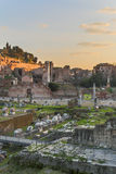 Форум Romanum на сумраке Стоковые Изображения RF