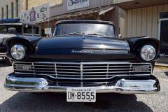 Форд 1957 Fairlane Стоковые Изображения RF