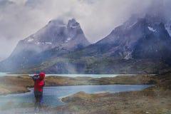 Фотографировать в национальном парке Torres del Paine Стоковые Фото