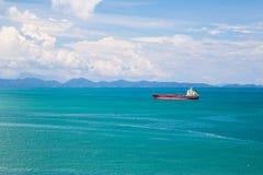 Фотография ландшафта корабля на море Стоковое Изображение RF
