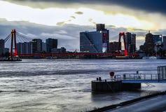 Фотография Роттердам захода солнца моста Willems стоковая фотография
