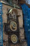 Фотография улицы Праги, чехия астрономические часы известные Стоковое Изображение RF