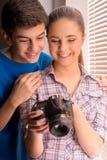 Фотографы подростка. Стоковая Фотография RF