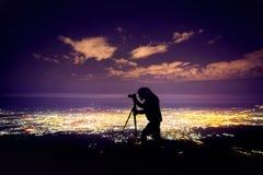 Фотограф на ночном небе стоковые фотографии rf