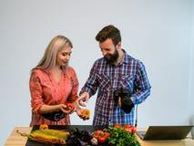 Фотограф студии сыгранности фотографии еды Стоковая Фотография