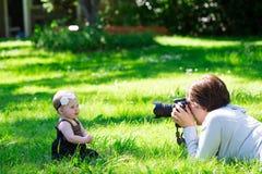 Фотосессия фотографа младенца Стоковые Фото