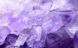 Фотоснимок крупного плана просвечивающего amethyst камня Стоковое Изображение