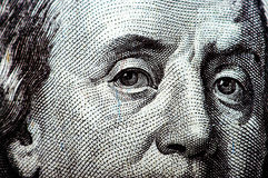 Фотоснимок макроса конец вверх, деталь долларовой банкноты 100 Стоковое Фото