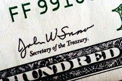 Фотоснимок макроса конец вверх, деталь долларовой банкноты 100 Стоковое Изображение