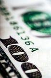 Фотоснимок макроса конец вверх, деталь долларовой банкноты 100 Стоковые Фотографии RF
