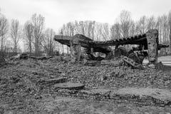 Фотоснимок остаток одного из крематориев на концентрационном лагере Освенцима немецком, Польше стоковые изображения rf