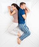Фото взгляд сверху пар спать Стоковое Изображение