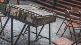Фото винтажного парка деревянного стола внешнее стоковые изображения rf