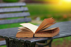 Фото запаса - книги на таблице Стоковое Фото