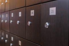 Фото зеленых шкафчиков в комнате Стоковые Фотографии RF
