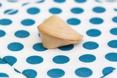 Фото изолированного печенья с предсказанием Стоковое Изображение