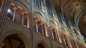 Фото интерьера собора Нотр-Дам Стоковые Изображения RF