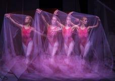 Фото как искусство - чувственный и эмоциональный танец  Стоковое Изображение