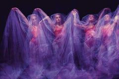 Фото как искусство - чувственный и эмоциональный танец  Стоковые Изображения
