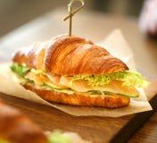 Фото макроса очень вкусного большого сандвича рыб Стоковое Изображение