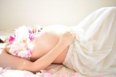Фото материнства женщин которые беременный Стоковые Изображения RF