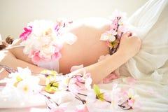 Фото материнства женщин которые беременный Стоковые Фото