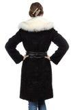 Фото молодой женщины в мехе от задней части Стоковое фото RF