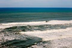 Фото океана с разбивать развевает, на пляже в Pacifica, Калифорния Стоковое Фото