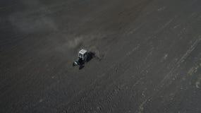 Фото от хавроний трактора трутня стоковая фотография