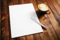 Фото пустых letterhead, кофейной чашки и ручки Стоковые Изображения