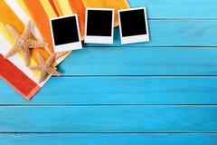 Фото рамки предпосылки пляжа поляроидное печатает космос экземпляра Стоковое Изображение RF