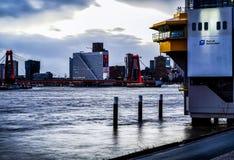 Фото Роттердам захода солнца моста WIllems стоковое изображение