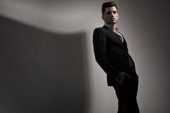 Фото стиля моды молодого человека стоковое фото rf