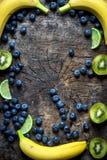 Фото студии различных фруктов и овощей стоковое изображение rf