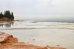 Фото травертина Pamukkale Стоковые Фотографии RF