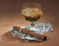 Сигара и виски Стоковое Фото