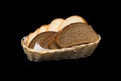Фото черно-белого хлебца в корзине Стоковое Фото