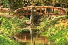 Фото HDR, мост над малым потоком Стоковые Изображения RF