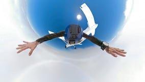 фото selfie dregree 360 skydiver над облаками с камерой прикрепленной на шлеме стоковые изображения rf