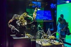 Фото Warner Bros. внутри взглядов Путешествие Голливуд студии, ПУТЕШЕСТВИЕ VIP установите кино города lego, костюм супермена, укр Стоковое Изображение RF