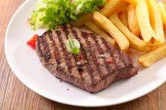 Фраи стейка и француза говядины стоковое фото