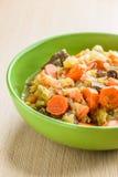 Фраи с мясом, капустой и морковами Стоковая Фотография