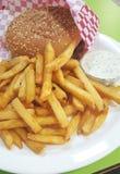 Фраи француза с соусом бургера и чеснока Стоковые Изображения RF