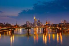 Франкфурт на ноче Стоковые Изображения
