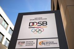 Франкфурт, hesse/Германия - 22 03 19: dosb подписывает внутри Франкфурт Германию стоковая фотография